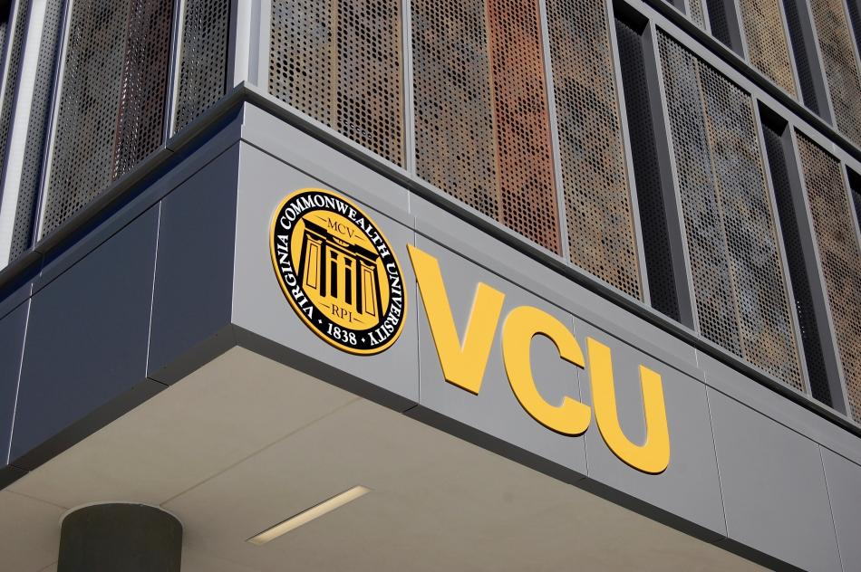 VCU Children's Hospital exterior signage