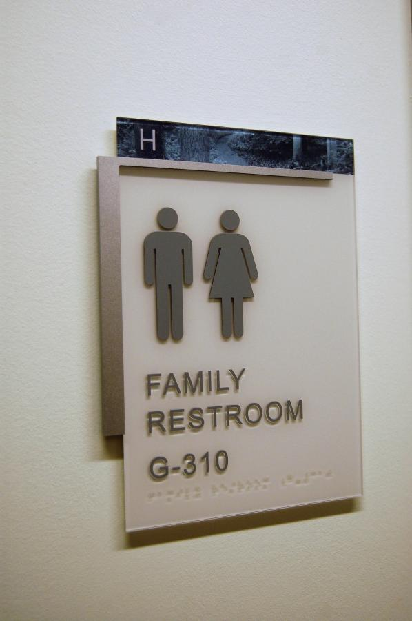 VCU-Children's-Hospital-Interior-ADA-Signs-in-Richmond-VA