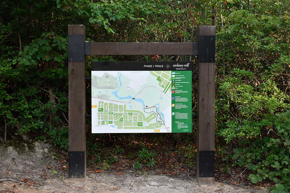 Embrey-Mills-hiking-trail-direction-signs